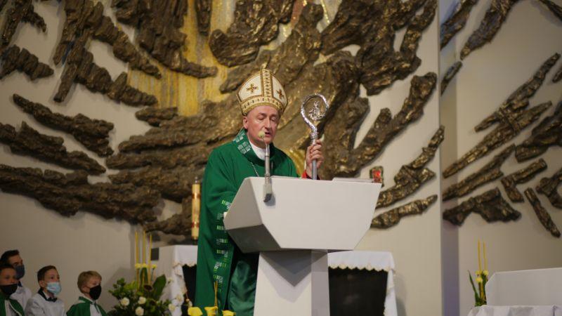 Biskup tarnowski w Mielcu: Rodzina i małżeństwa są fundamentem ludzkości [FOTO] - Zdjęcie główne