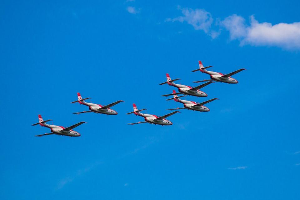 Pokazy lotnicze w Turbi - było na co popatrzeć - Zdjęcie główne
