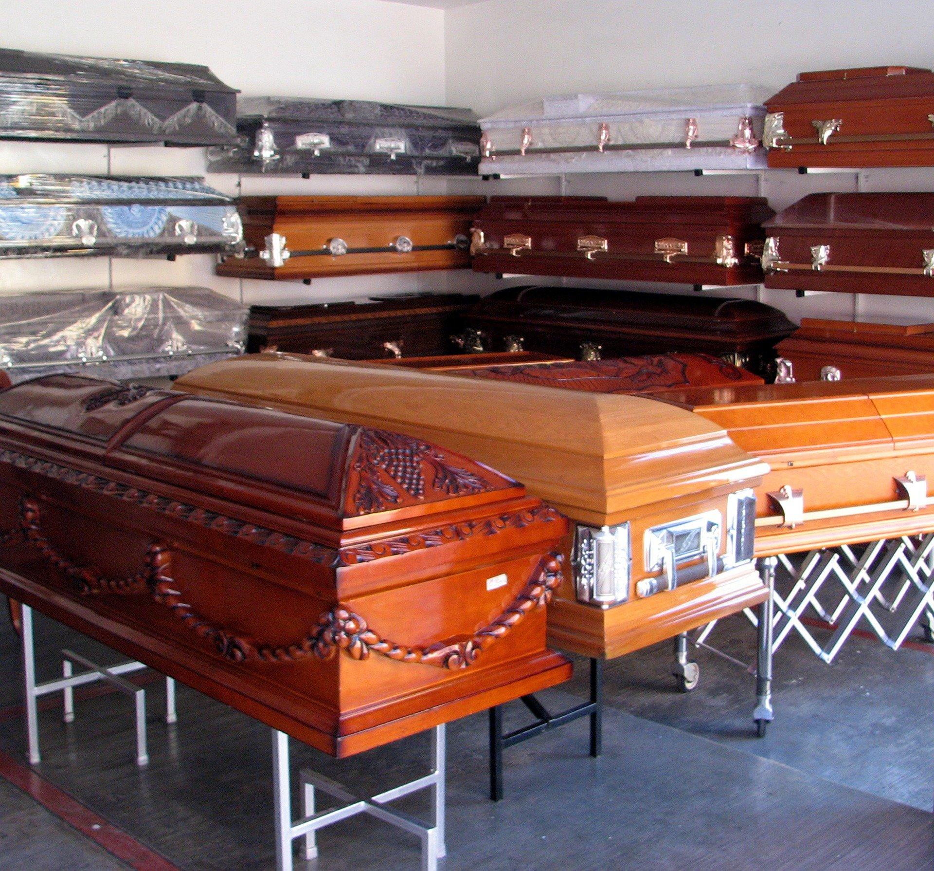 W pow. mieleckim z powodu COVID 19 zmarło już 57 osób. Znamy ich wiek i płeć  - Zdjęcie główne