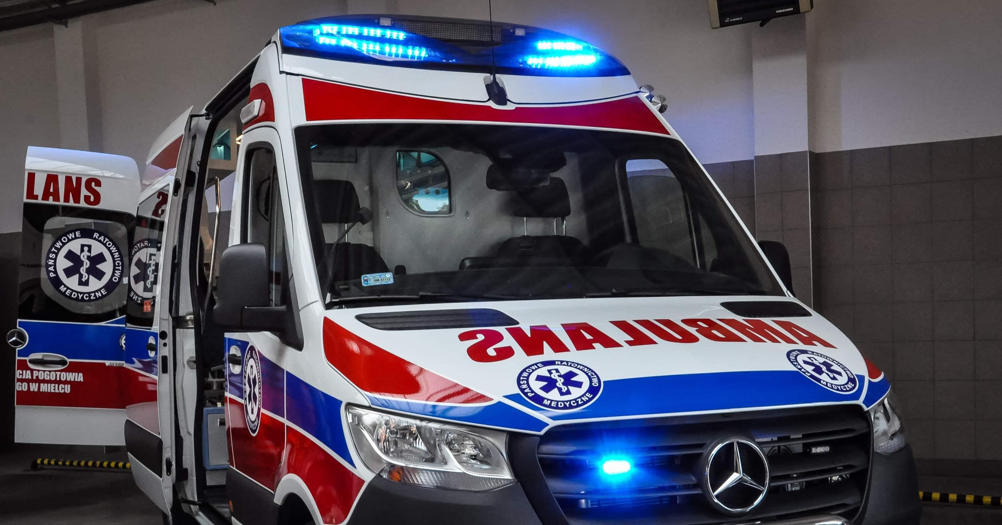 Nowe ambulanse w szpitalach w regionie - Zdjęcie główne