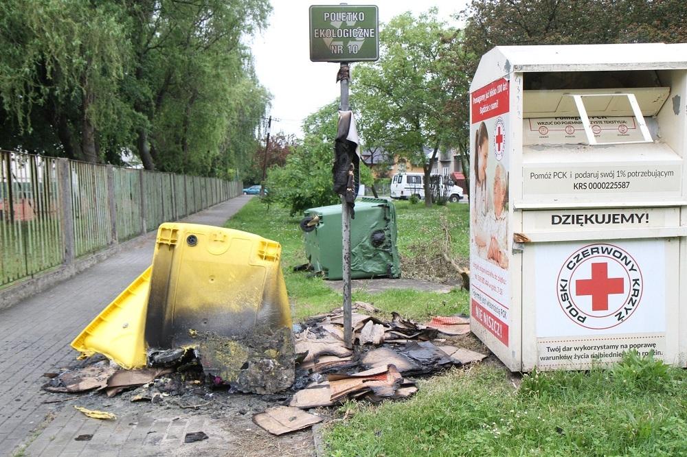 Kto podpala miejskie kontenery na odpady? Sprawa trafiła na policję! - Zdjęcie główne