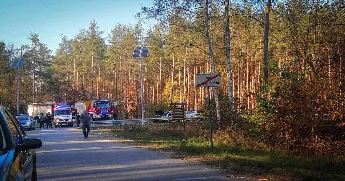 Zderzenie trzech pojazdów. Droga Mielec - Kolbuszowa częściowo zablokowana - Zdjęcie główne