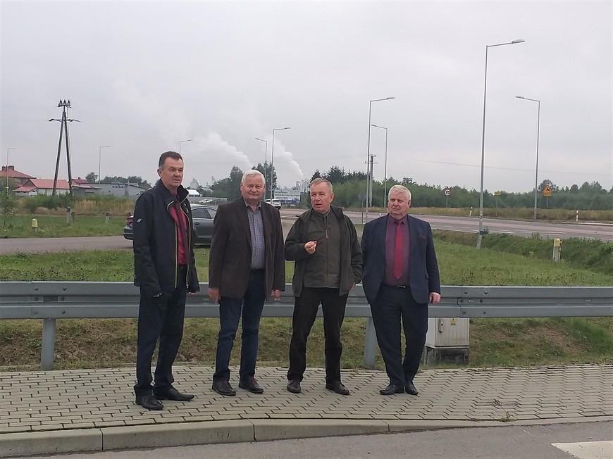 Komisja na niebezpiecznym skrzyżowaniu. Mieszkańcy od dawna apelują o działanie - Zdjęcie główne