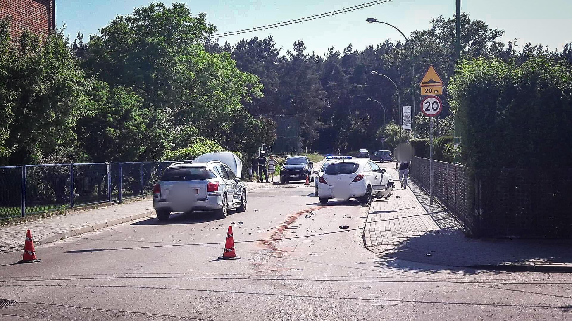 Jedna osoba w szpitalu, droga zablokowana [FOTO] - Zdjęcie główne