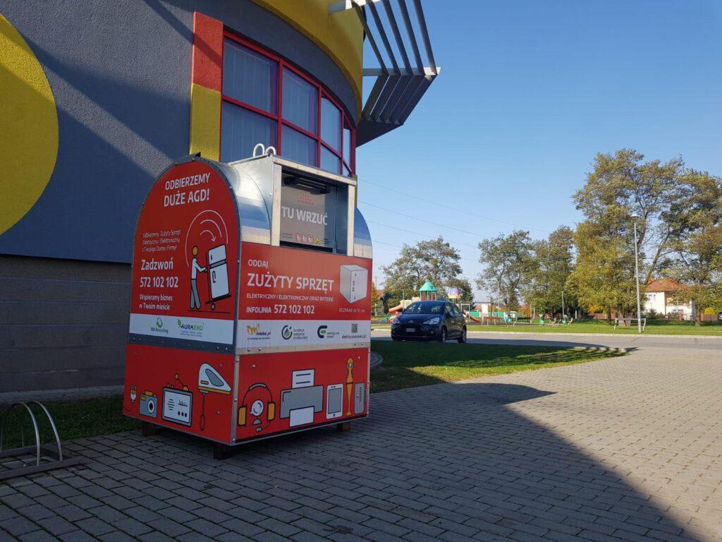 Nowe pojemniki na elektrośmieci stanęły w różnych lokalizacjach Mielca - Zdjęcie główne