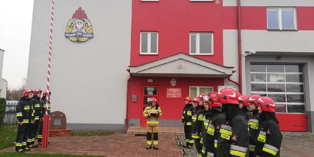 Strażacy uczcili 101 rocznicę Odzyskania przez Polskę Niepodległości - Zdjęcie główne