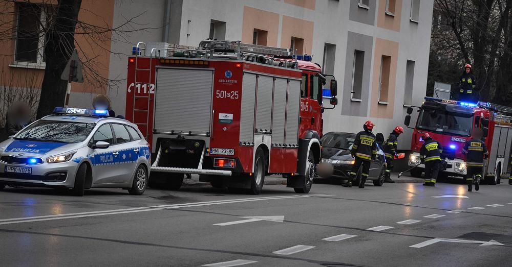 Zderzenie samochodu osobowego ze skuterem [FOTO] - Zdjęcie główne