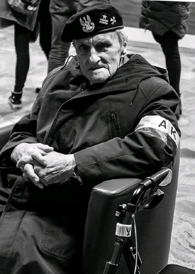 Odszedł ostatni uczestnik bitwy z 1944 - Zdjęcie główne