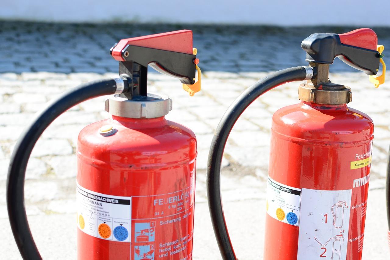 Jakie są wymagania dotyczące gaśnic wobec lokali publicznych? - Zdjęcie główne