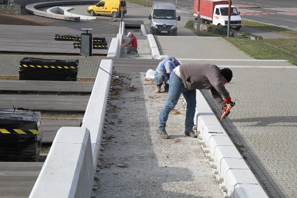 W Mielcu trwa remont sztucznego potoku na Górce Cyranowskiej  - Zdjęcie główne