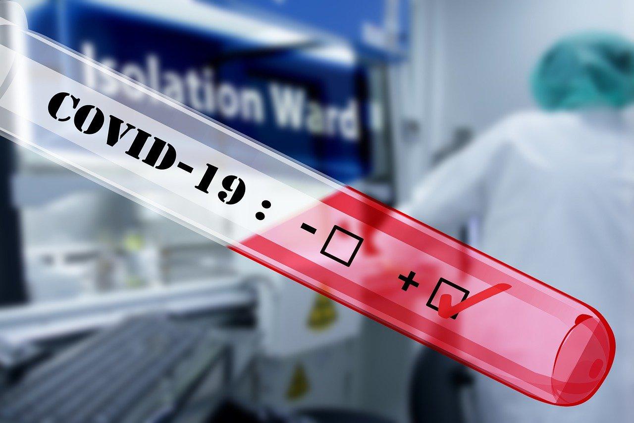 Szpital wstrzymał szczepienia na koronawirusa - Zdjęcie główne