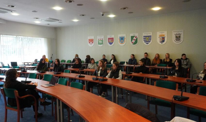 Uczniowskie samorządy spotkały się w Urzędzie Miasta - Zdjęcie główne