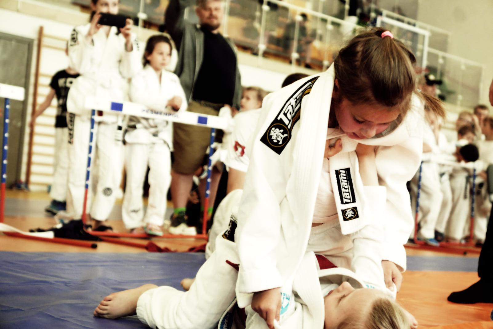 Młodzi wojownicy z dwunastoma medalami. Mistrzostwa w Ju-Jitsu owocnie zakończone dla mielczan - Zdjęcie główne