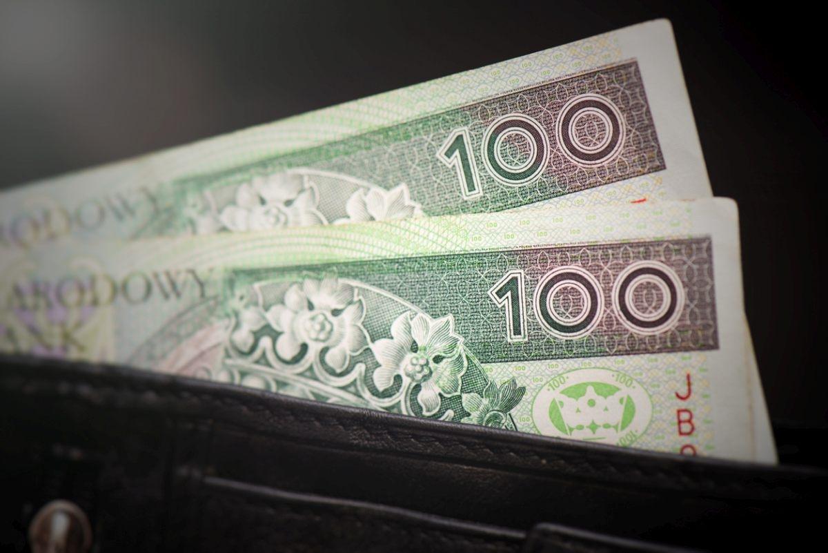 Jest decyzja. Wiemy jaka będzie pensja minimalna w 2022 roku - Zdjęcie główne
