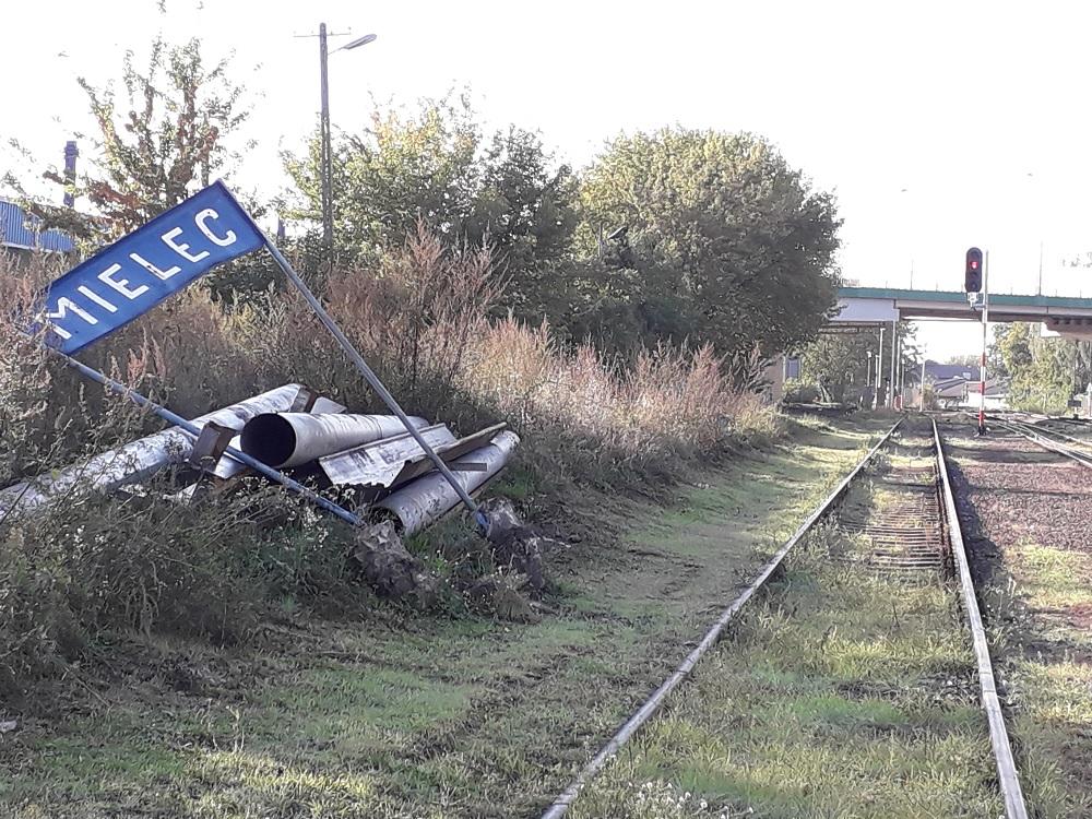 Stacja Mielec w remoncie. Wiemy kiedy pojawią się na niej pierwsze pociągi osobowe [FOTO] - Zdjęcie główne