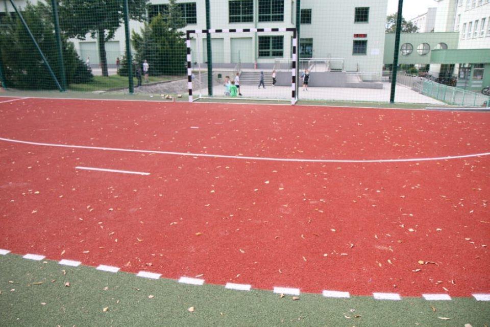 Narodowy Dzień Sportu w Mielcu. Impreza na nowym boisku - Zdjęcie główne