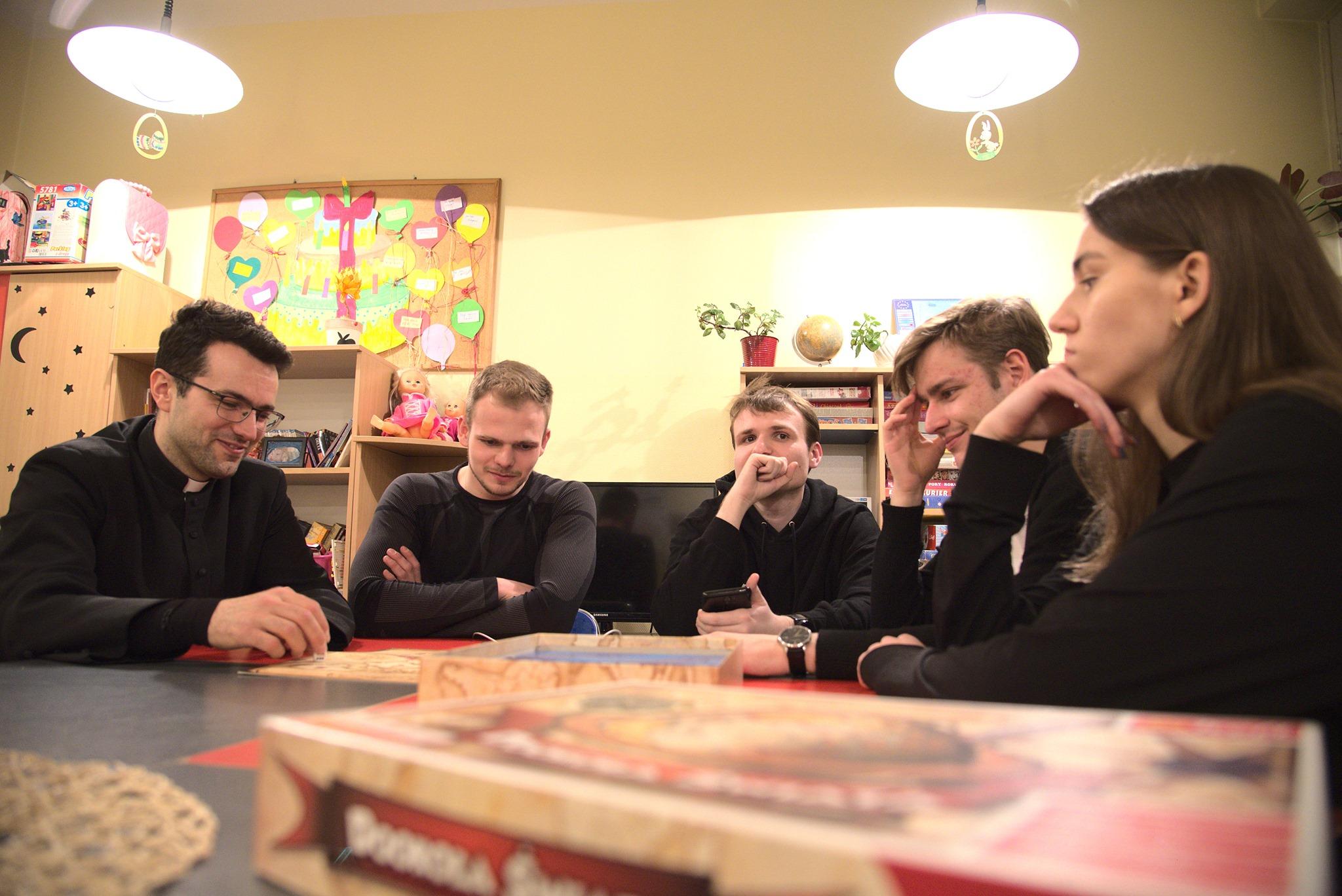 W Mielcu powstała grupa dla młodzieży 19+. Pierwsze spotkanie już jutro - Zdjęcie główne