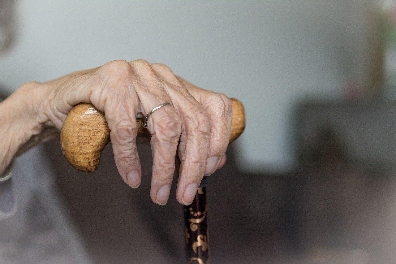 Wyziębioną 93-latkę znaleźli sąsiedzi. Jest w głębokiej hipotermii! - Zdjęcie główne