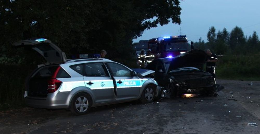 NOWE FAKTY o policyjnym pościgu koło Tarnobrzega [ZDJĘCIA] - Zdjęcie główne