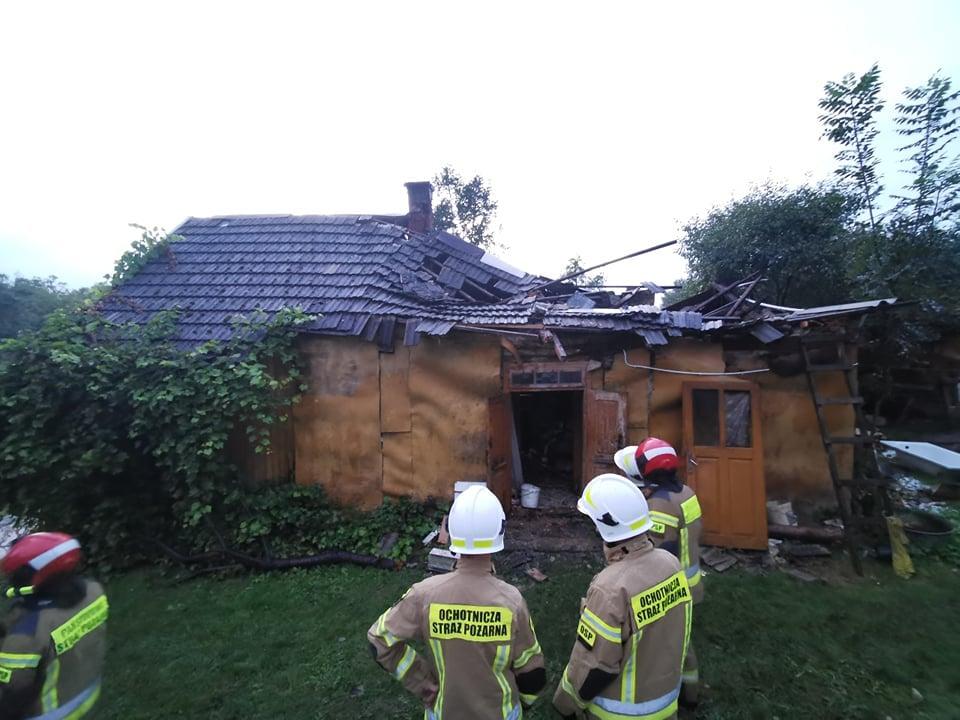 Runął komin! Mężczyzna uwięziony w ruinach domu! [ZDJĘCIA] - Zdjęcie główne