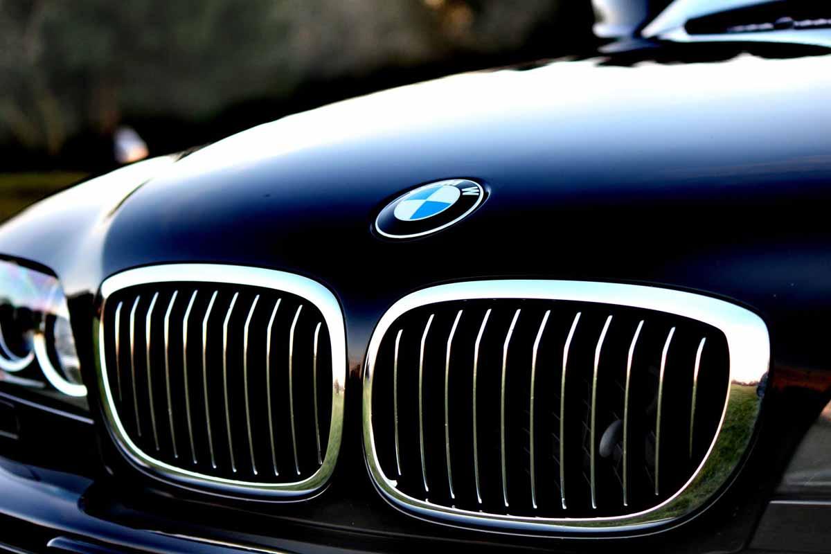 Samochody BMW za niewielką cenę - Zdjęcie główne