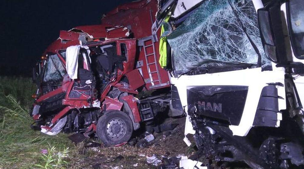 PIJANY kierowca ciężarówki! Zderzenie czołowe dwóch pojazdów! [MAPA] - Zdjęcie główne