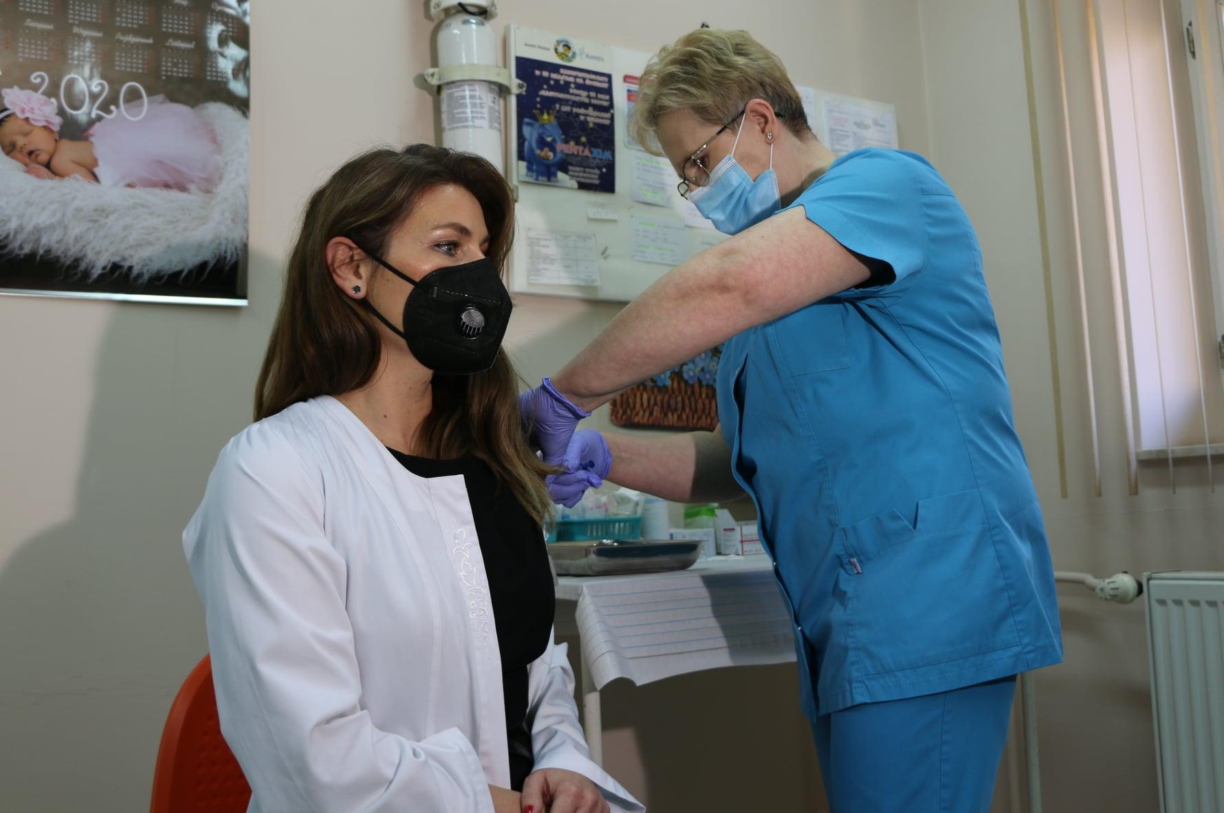Ekspresowe tempo szczepień w Rzeszowie! Czy ma to związek z wyborami samorządowymi? - Zdjęcie główne