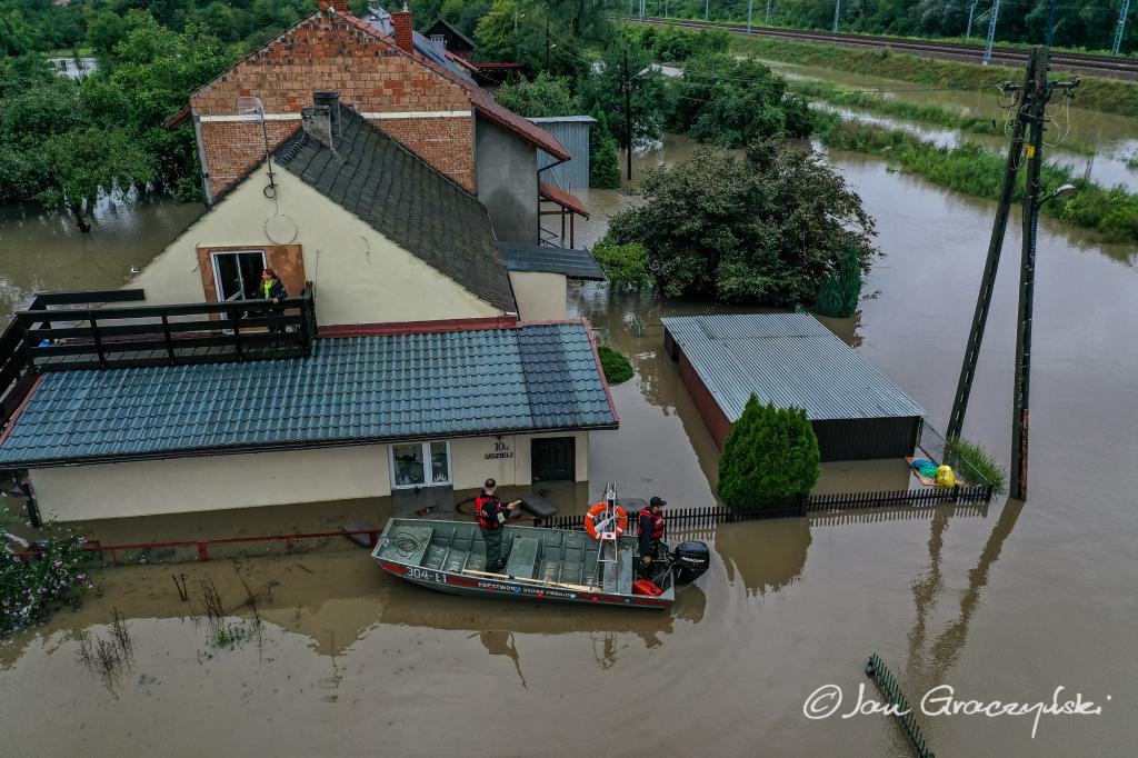 Dramatyczna sytuacja po ulewach w Małopolsce [ZDJĘCIA] - Zdjęcie główne