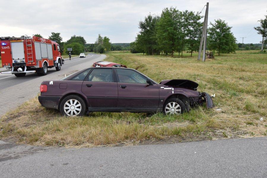 TRZY OSOBY W SZPITALU! Groźny wypadek w Ostrowie [ZDJĘCIA] - Zdjęcie główne