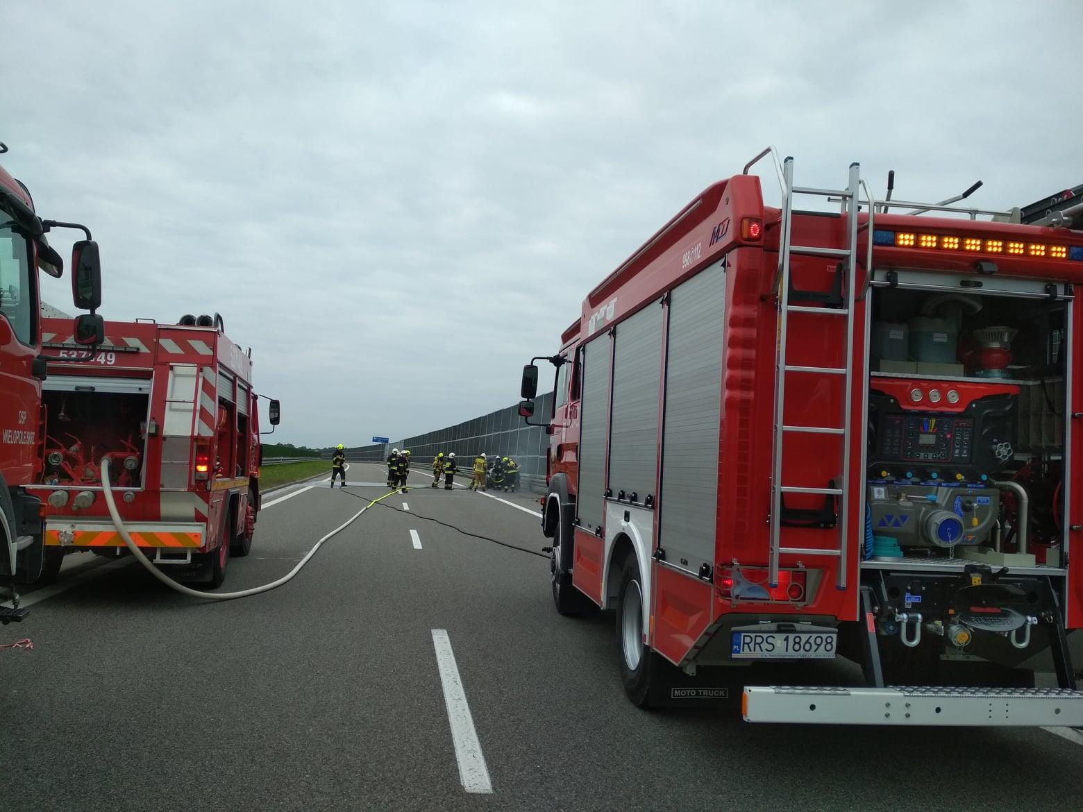 Uwaga kierowcy! Zablokowana autostrada A4 w kierunku Krakowa! [ZDJĘCIA] - Zdjęcie główne