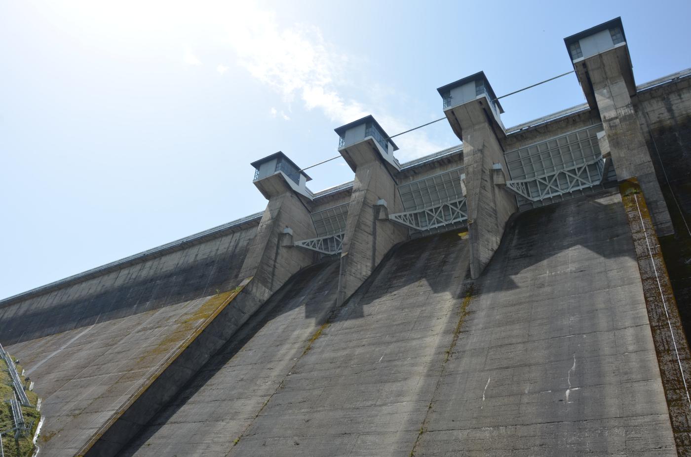 Zapora na Jeziorze Solińskim od środka. Jakie tajemnice skrywa ta budowla? [WIDEO, ZDJĘCIA] - Zdjęcie główne