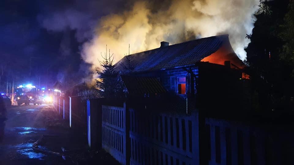 Małżeństwo straciło dom w pożarze. Radny inicjuje zbiórkę - Zdjęcie główne