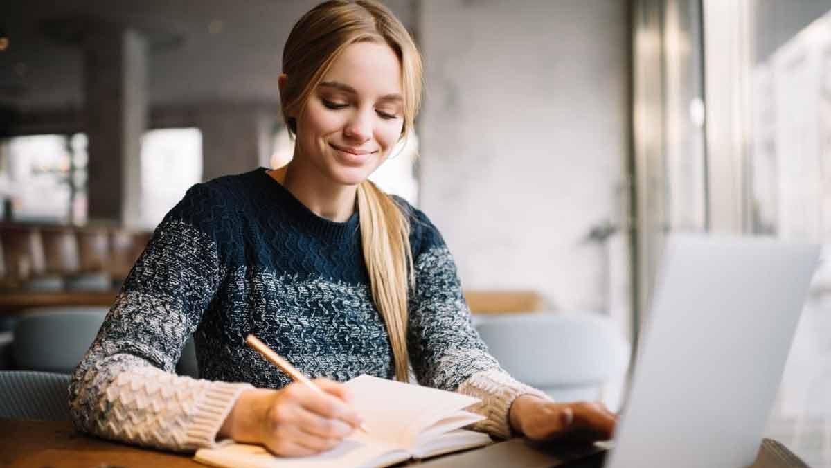 Ile kosztuje dobry kurs angielskiego online i jak długo trwa? - Zdjęcie główne