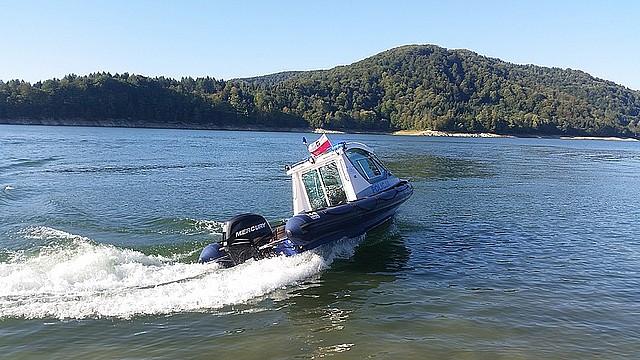 Blisko tragedii! Rowerek wodny zatonął. Cztery osoby dryfowały w jeziorze! - Zdjęcie główne