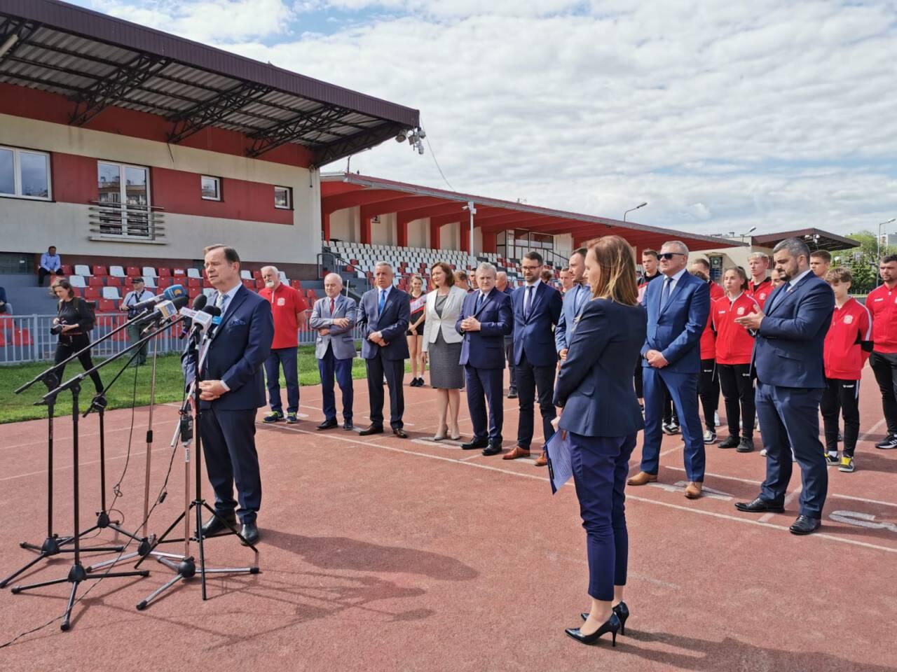Miliony złotych na budowę Podkarpackiego Centrum Lekkiej Atletyki [ZDJĘCIA] - Zdjęcie główne