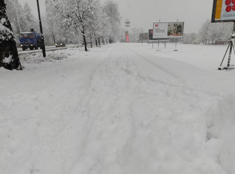 Kazimierz Idzik z Rejonu Dróg Miejskich: - W Tarnobrzegu wszystkie nasze siły są rzucone do walki ze śniegiem i lodem! - Zdjęcie główne