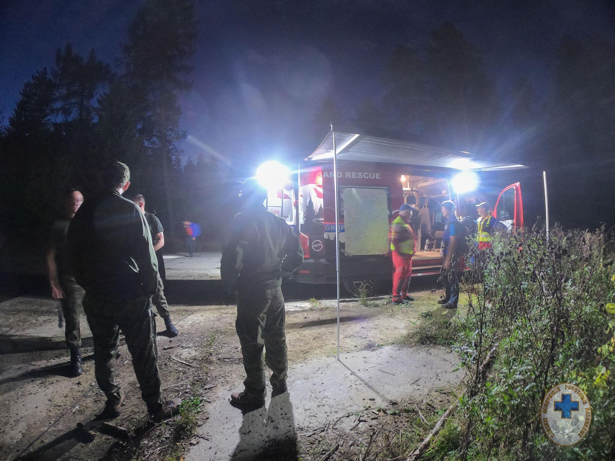 Nad Jeziorem Solińskim rozbiła się awionetka. 6 osób poszkodowanych [ZDJĘCIA] - Zdjęcie główne