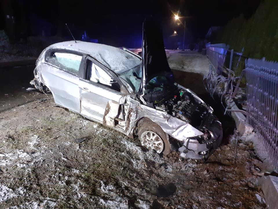 Tragiczny wypadek w powiecie dębickim. Nie żyje 18-letnia pasażerka! [ZDJĘCIA] - Zdjęcie główne