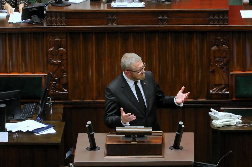"""BURZA W SEJMIE! Grzegorz Braun do ministra zdrowia: """"Będziesz Pan wisiał"""" [WIDEO] - Zdjęcie główne"""