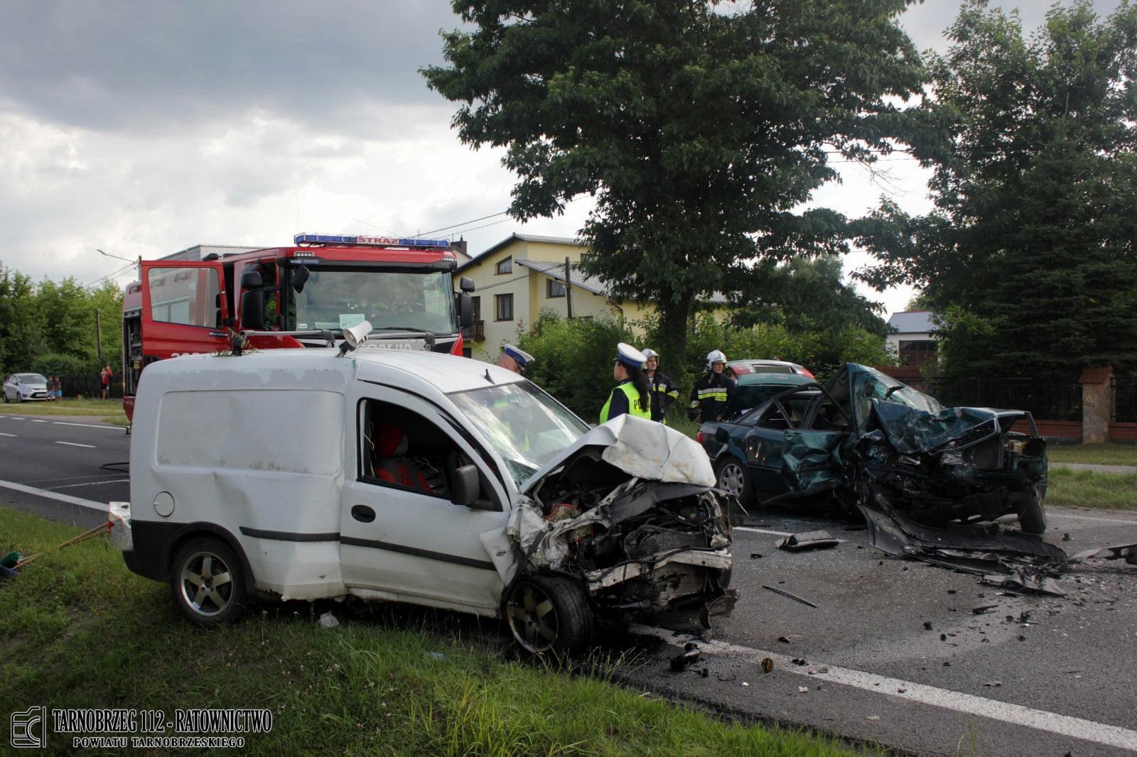 TO JEST PLAGA! Sprawca wypadku w Nowej Dębie był PIJANY! [ZDJĘCIA] - Zdjęcie główne