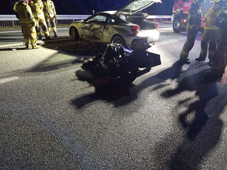 Nocny wypadek w Machowej. Ranny motocyklista [ZDJĘCIA] - Zdjęcie główne