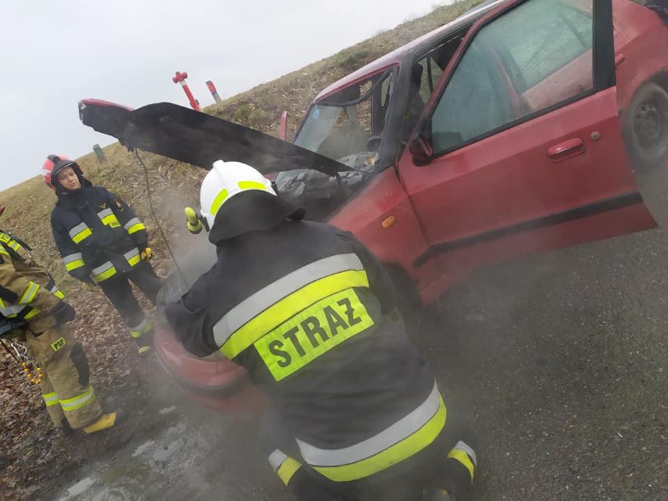 Pożar samochodu we Wrocance [ZDJĘCIA] - Zdjęcie główne