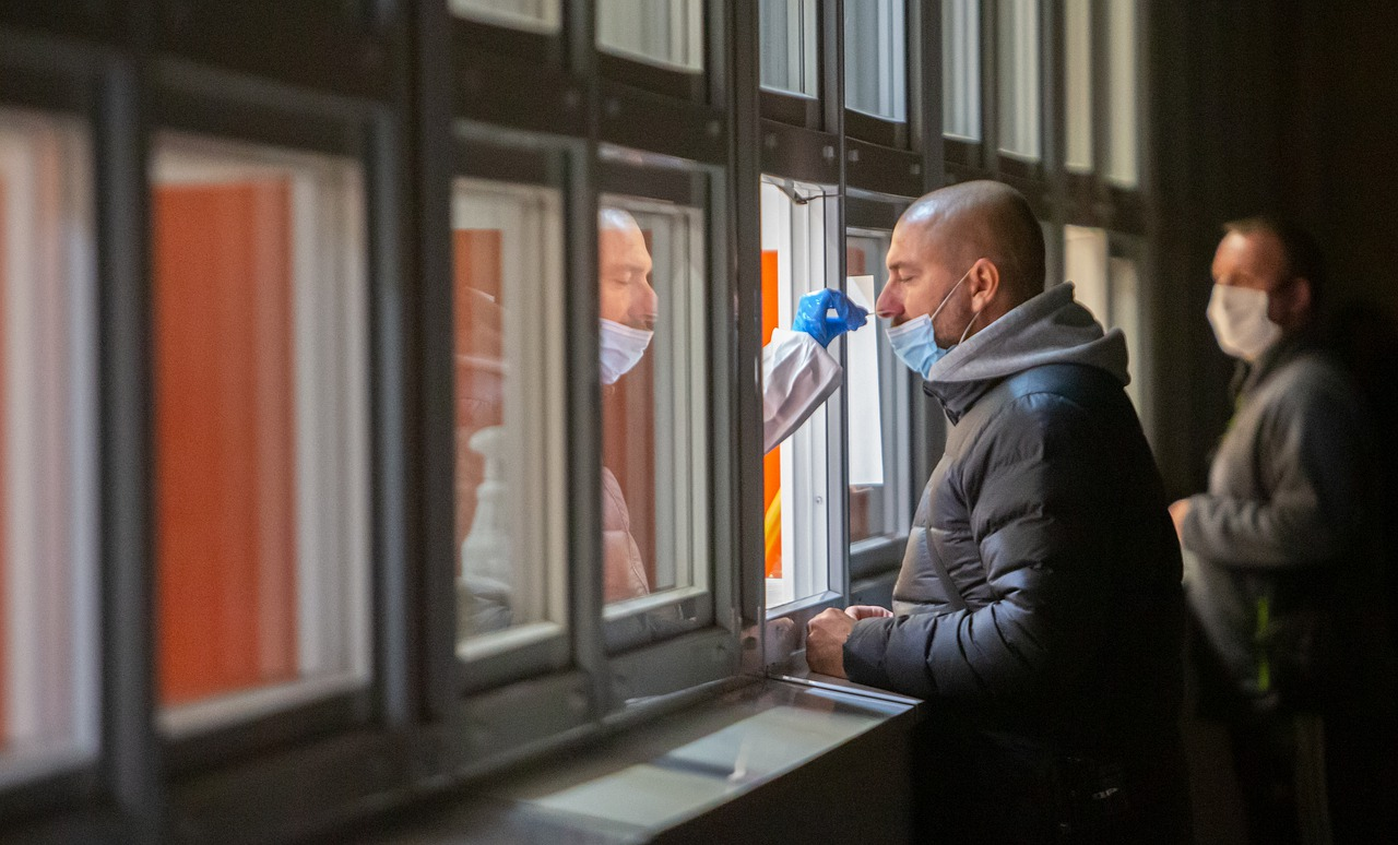 Sytuacja epidemiczna na Podkarpaciu. W poniedziałek 31 nowych zakażeń [RAPORT - 11 października] - Zdjęcie główne