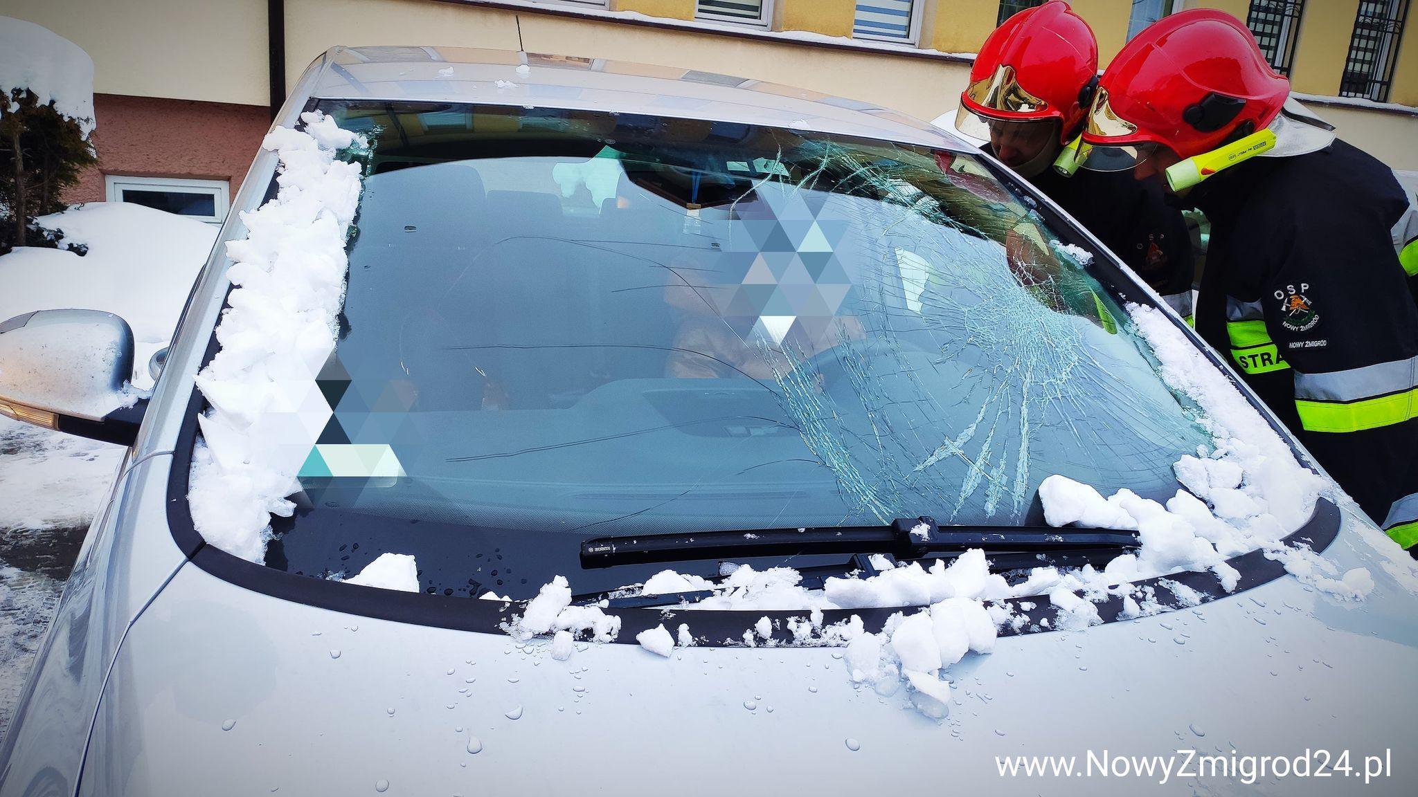 Spadający lód rozbił szybę - Zdjęcie główne