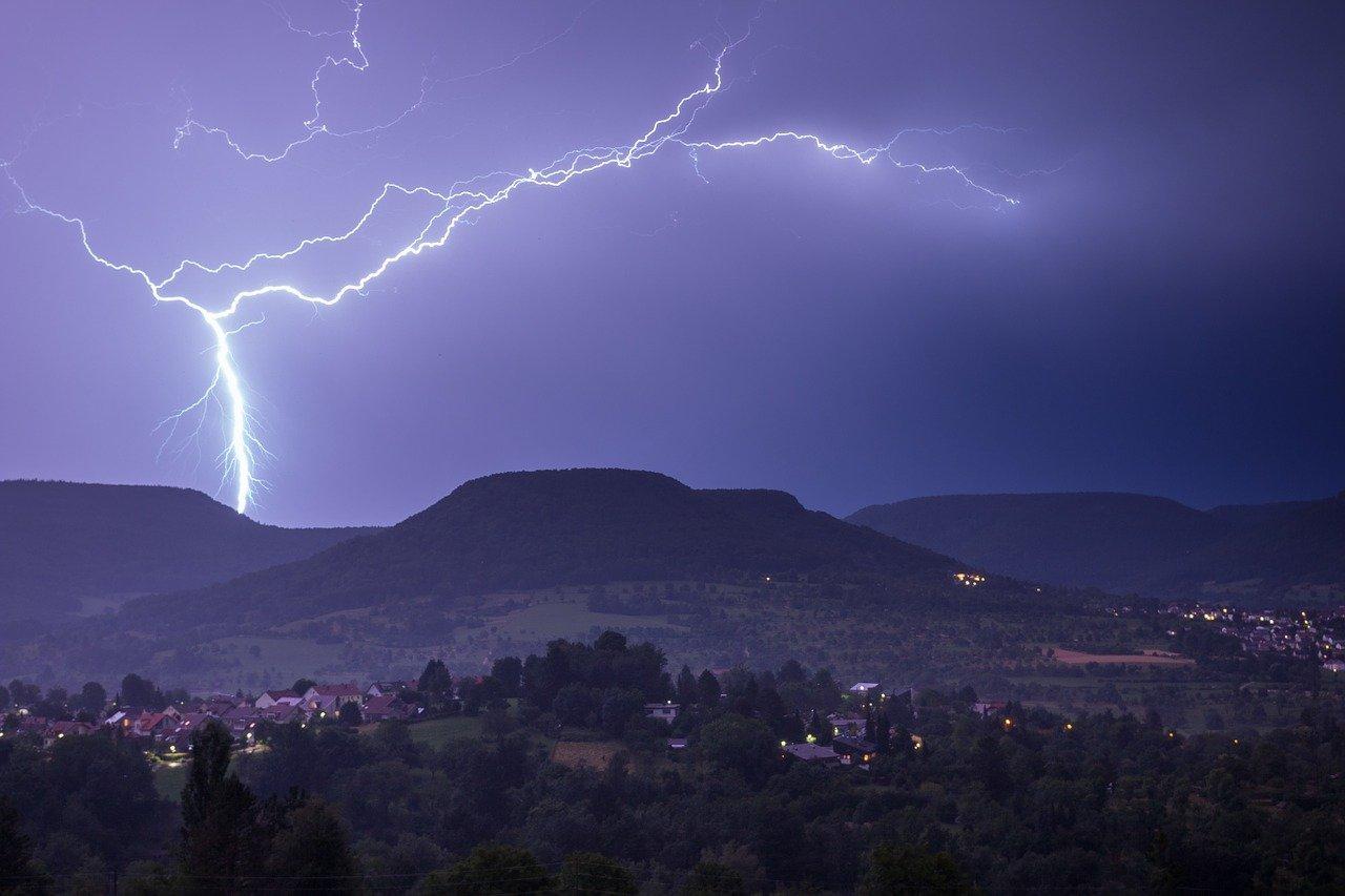 UWAGA! W PIĄTEK NIEBEZPIECZNA POGODA! Najpierw upał, po południu możliwe gwałtowne burze! - Zdjęcie główne