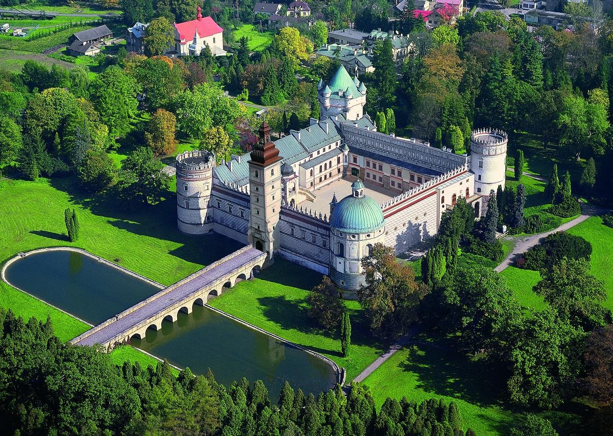 Aż 550 lokalizacji na liście zamków, pałaców, dworów i fortyfikacji Podkarpacia! - Zdjęcie główne