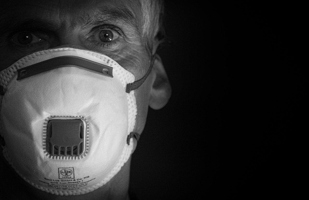 Szpital Powiatowy wstrzymuje planowane przyjęcia przez koronawirusa - Zdjęcie główne