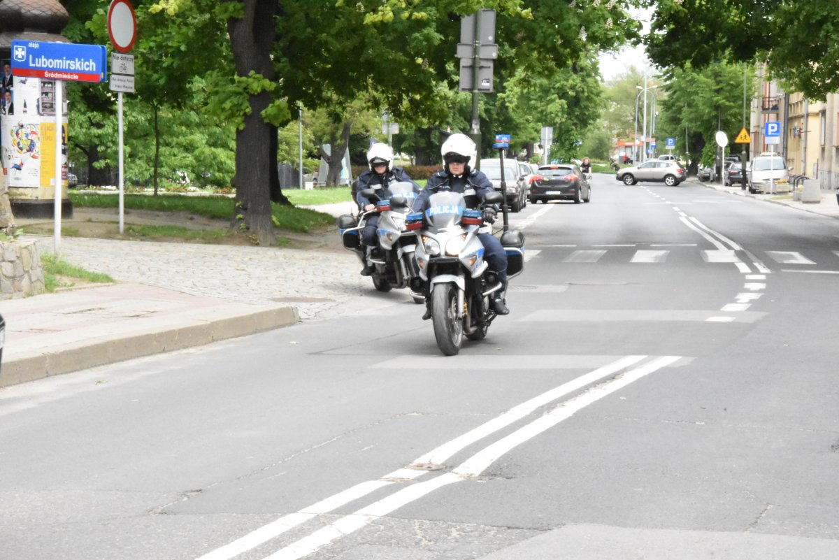 PIJANY kierowca motocykla uciekał przed policją ulicami miasta - Zdjęcie główne