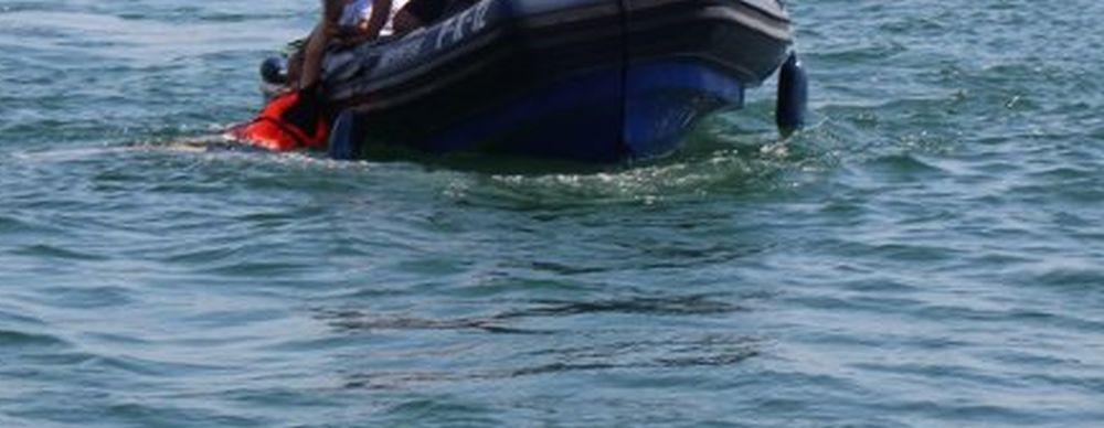 Wywrócona łódka na Wisłoku! Służby w akcji - Zdjęcie główne
