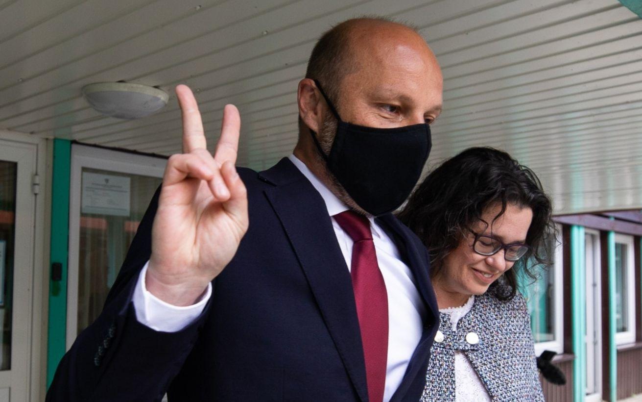 Mateusz Morawiecki komentuje wybory w Rzeszowie. Wiemy kiedy odbędzie się zaprzysiężenie Konrada Fijołka - Zdjęcie główne
